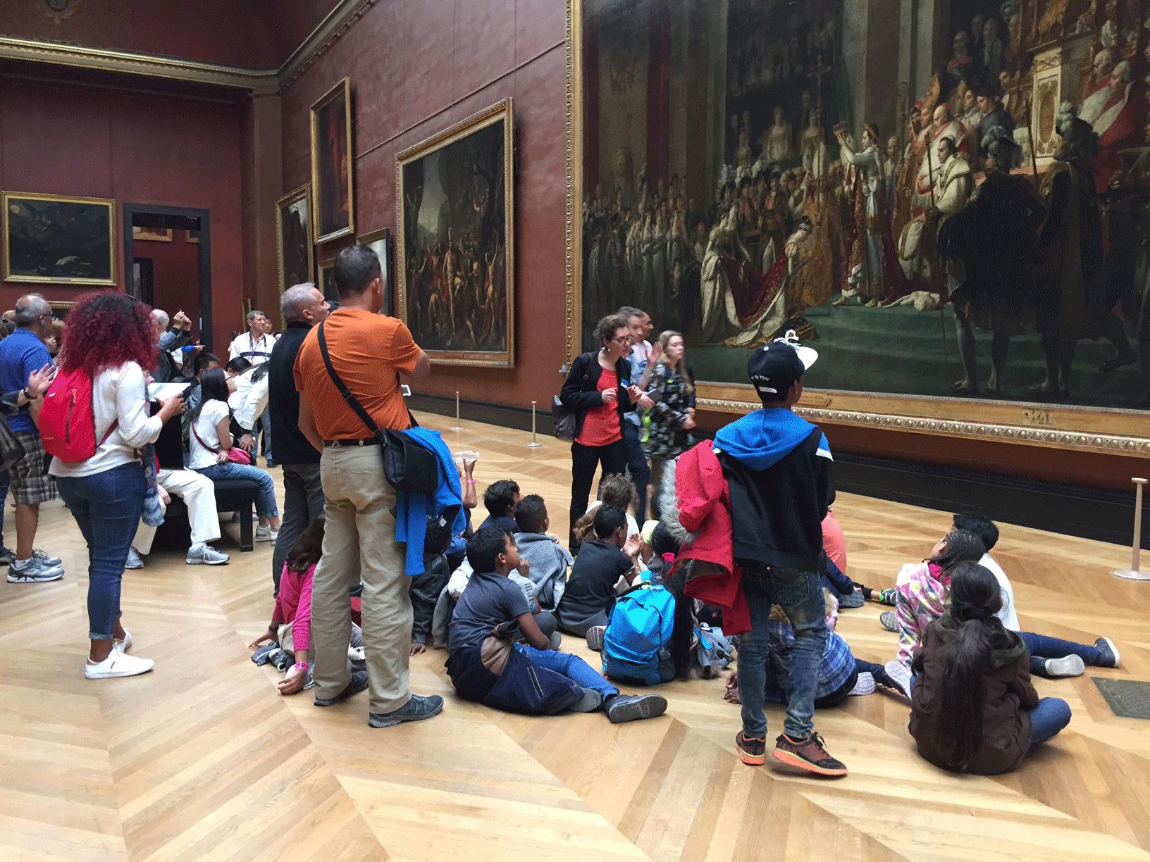 Devant le Sacre de l'Empereur - Classe découverte Paris