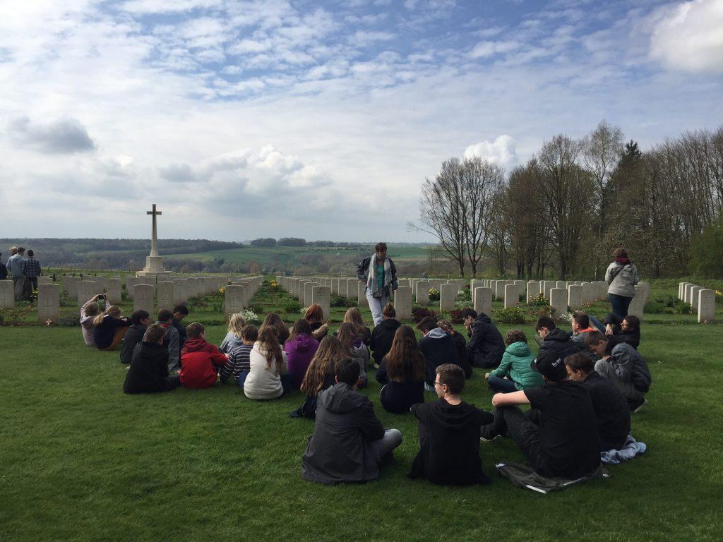 Cimetière Franco-Britannique à Thieval - Classe découverte Grande Guerre