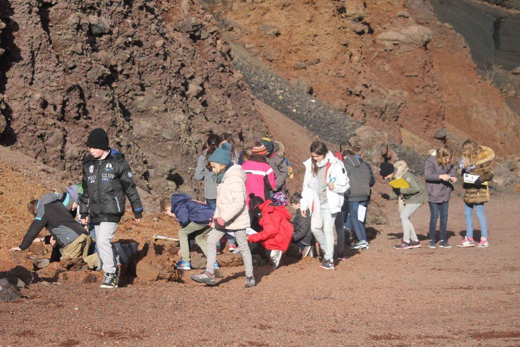 Enquete au Volcan de Lemptégy - Classe découverte Volcans