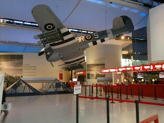 Intérieur Mémorial de Caen - Classe découverte Seconde Guerre Mondiale