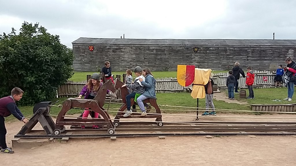 TIFFAUGES - Jeux médiévaux - Classe découverte Puy du Fou