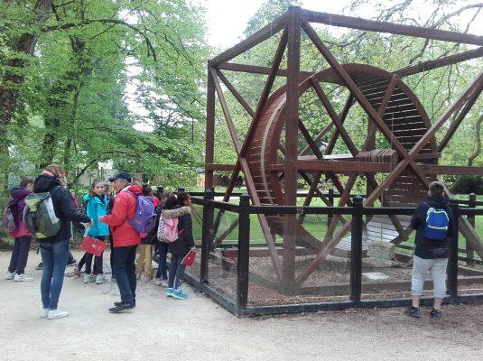 Classe decouverte Val de Loire et ses chateaux - Clos Lucé cage à écureuil