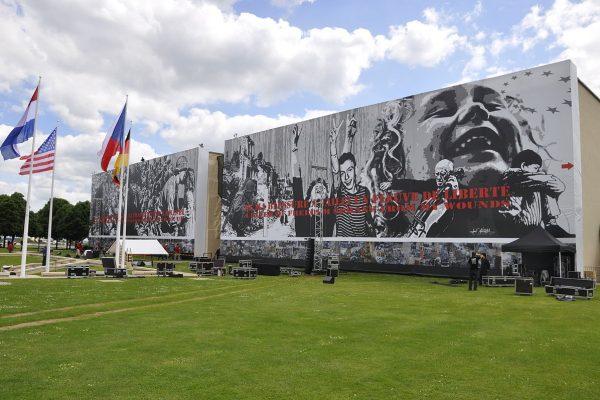 Façade du Mémorial - Classe découverte Seconde Guerre Mondiale