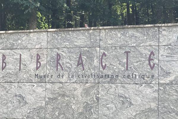 Entrée Musée Bibracte - Classe découverte Gallo Romaine
